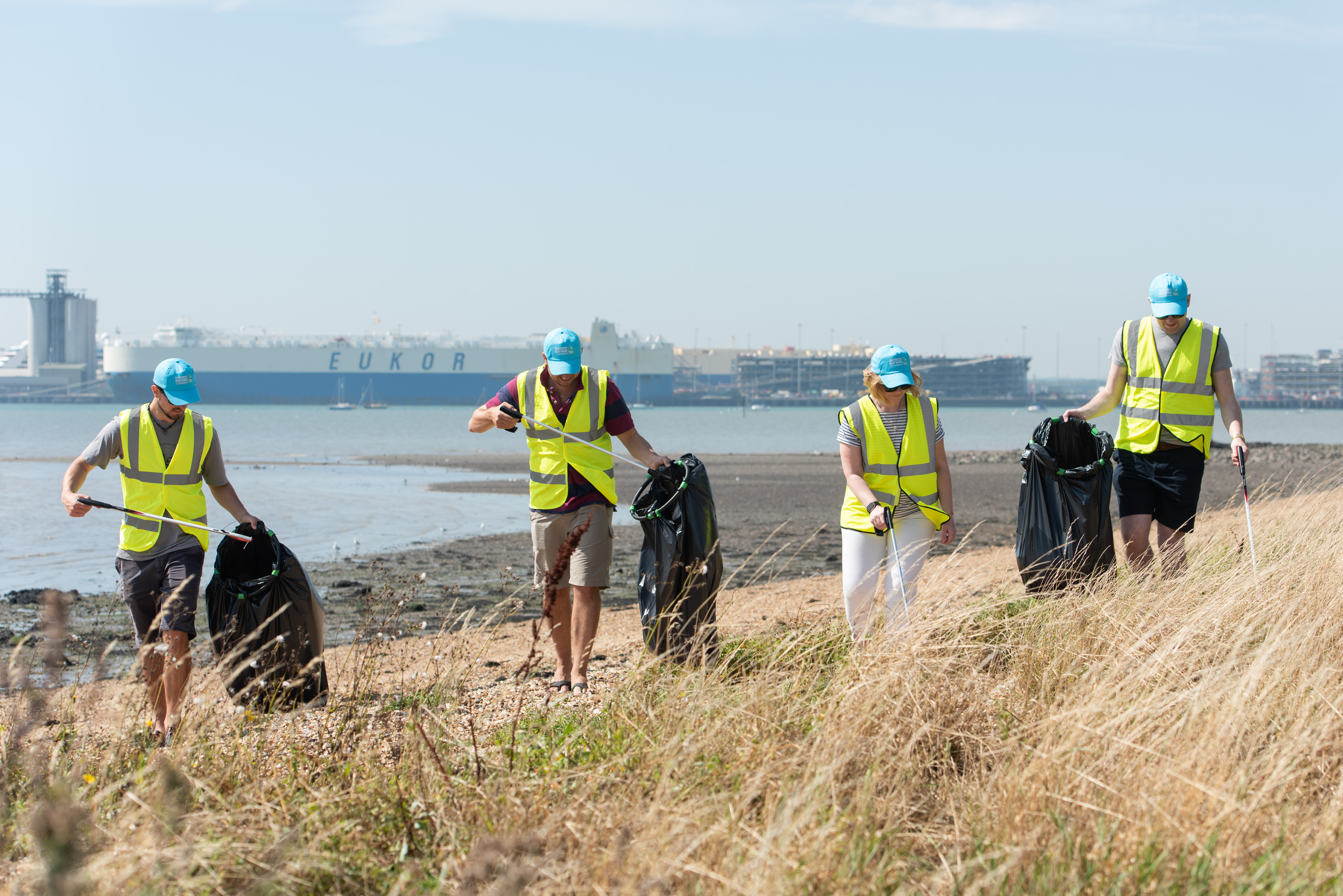 Western shore beach clean