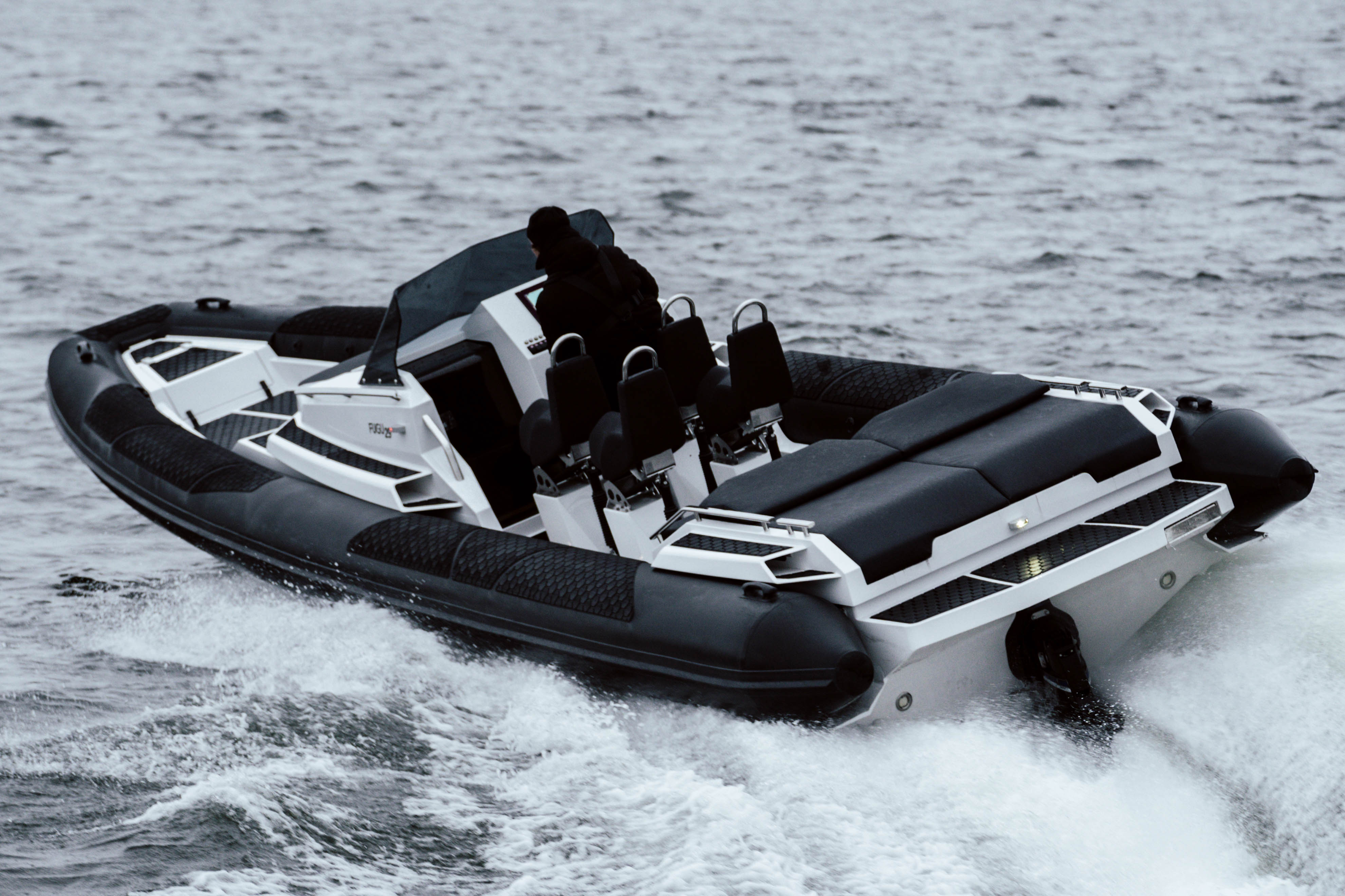 [Member News] Salterns Brokerage becomes UK's first distributor for FUGU Powerboats